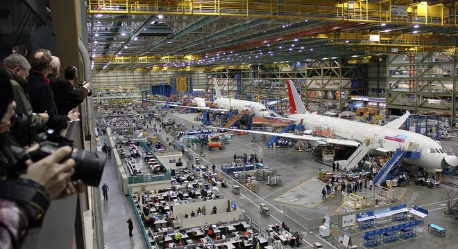 """بعد دخول الصين إلى سوق تصنيع الطائرات .. رئيس """"إيرباص"""" يحذر من المنافسة"""