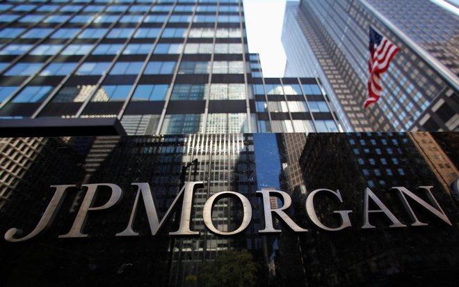 """""""جيه.بي مورجان"""" يتوقع تراجعا كبيرا في إيرادات قطاع تداول الأسهم"""