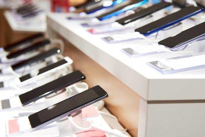 """مع تعدد خيارات الجيل الخامس .. """"سامسونج"""" تعود لصدارة سوق الهواتف في الربع الأول من 2021"""