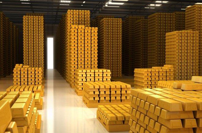 تلميحات رفع الفائدة تقلب الأسواق .. الذهب يتعرض للسحق
