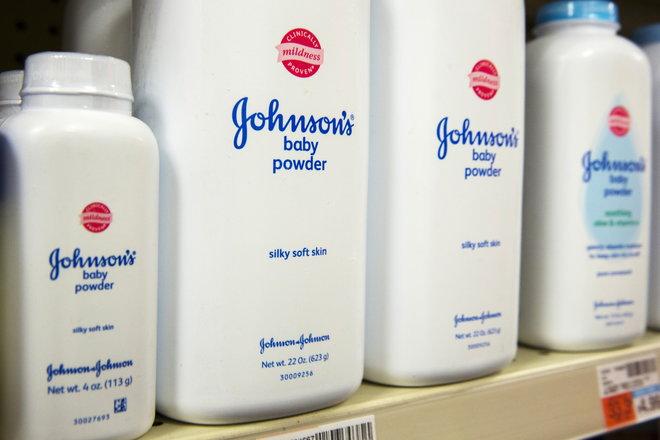 """الحكم على """"جونسون أند جونسون"""" بدفع تعويضات قي قضايا تسبب بودرة التلك بالسرطان"""