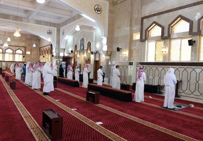 الشؤون الإسلامية : إعادة المصاحف والدروس إلى المساجد .. وألغاء قرار تقليص مدة الانتظار