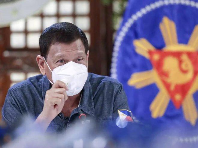 """رئيس الفلبين : """"الأغبياء"""" الذين لا يريدون الحصول على اللقاح سيسجنون"""