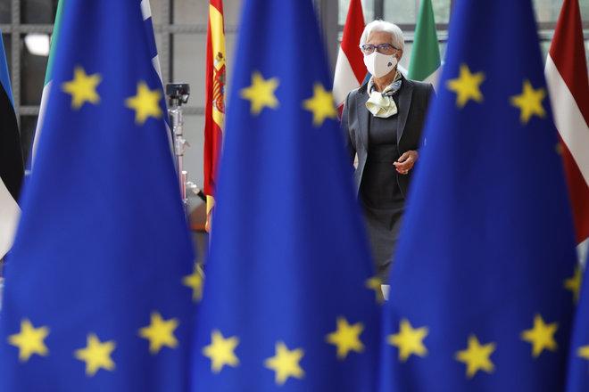 لاجارد: منطقة اليورو ستتعافى بأسرع من المتوقع لكن الدعم ما زال مطلوبا
