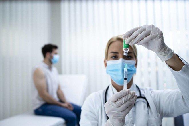 تحذير أمريكي من «فايزر» و«موديرنا» .. يزيدان خطر التهاب القلب
