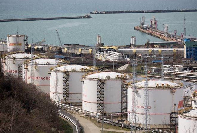 محللون: أساسيات سوق النفط تتحسن وتبشر بأداء أقوى في النصف الثاني