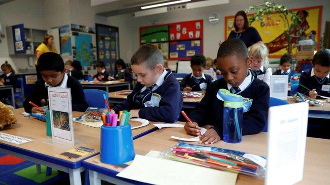 الهجرة الجماعية تترك مدارس لندن بلا تلاميذ