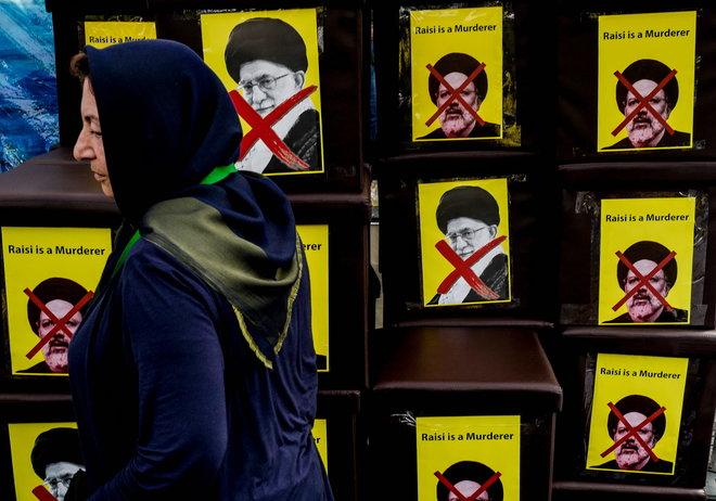 """الموت لـ """"الديكتاتور خامنئي"""".. صرخة العطشى في إيران"""