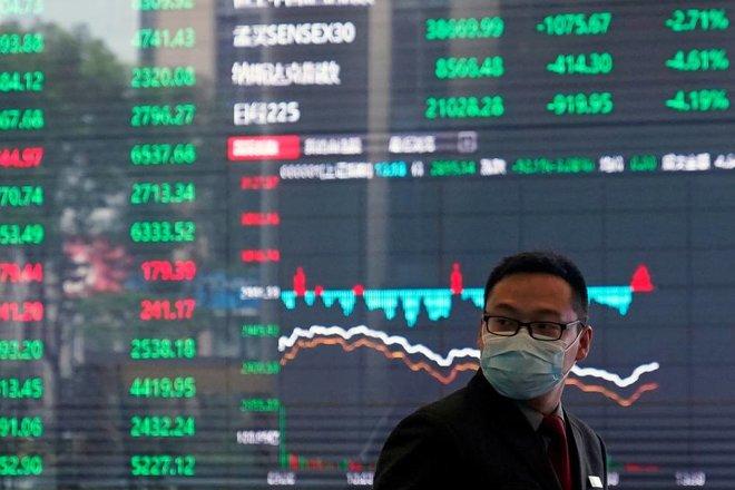 المستثمرون العالميون يشترون أصولا صينية قيمتها 800 مليار دولار