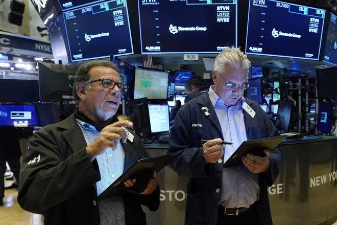 ارتفاع مؤشرات «وول ستريت» بعد مبيعات كثيفة .. انتعاش الأسهم شديدة التأثر بالاقتصاد