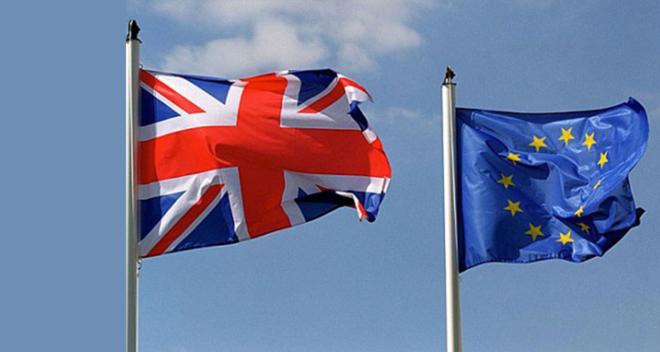 """بريطانيا تطلب من الاتحاد تجميد بنود اتفاق ما بعد """"بريكست"""" بشأن إيرلندا الشمالية"""