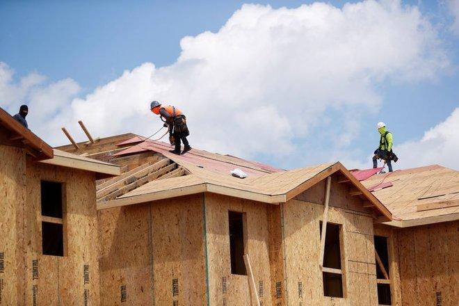 مبيعات المنازل الأمريكية القائمة ترتفع 1.4% في يونيو