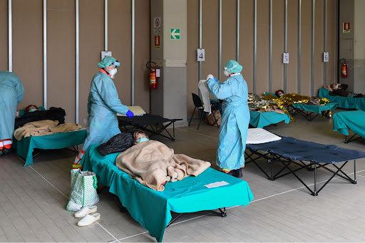 إيطاليا: 99% من وفيات كوفيد لم يحصلوا على التطعيم بجرعتيه