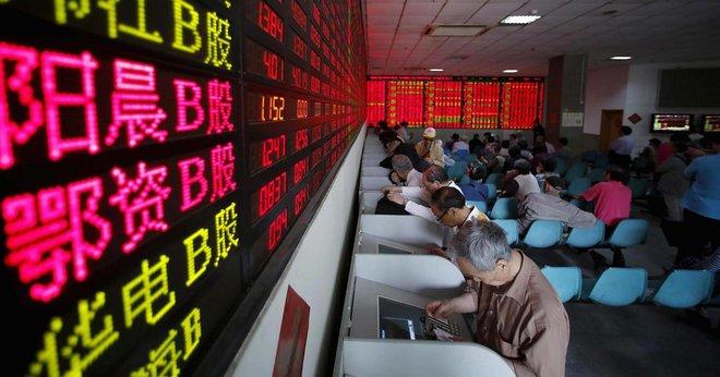 تريليون دولار خسائر الأسهم الصينية في أسبوع .. انهيار أشعلته قرارات مفاجئة للسلطات