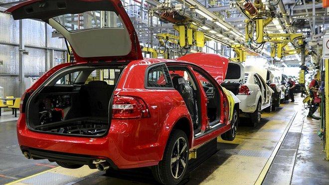 صناعة السيارات تدق ناقوس الخطر بسبب النقص الحاد في الرقائق