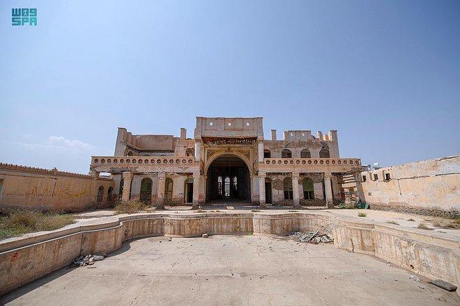 قصر جبرة في الطائف .. التاريخ يعانق البساتين منذ 1300 سنة