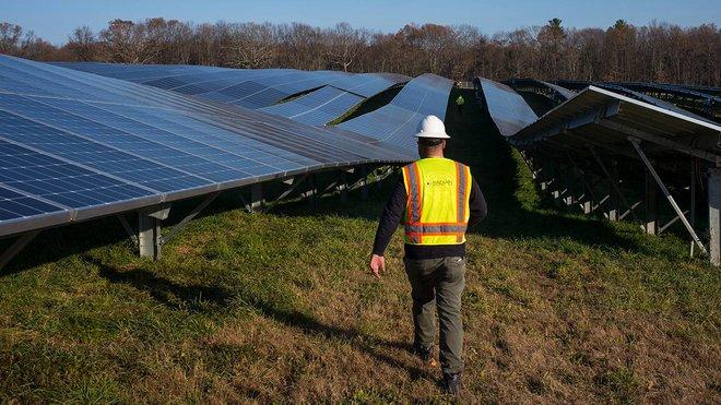 الطاقة الشمسية تشكل 40 % من الكهرباء في الولايات المتحدة بحلول 2035