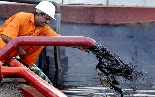 نزول أسعار النفط بفعل مخاوف حيال اقتصاد الصين وزيادة الإنتاج