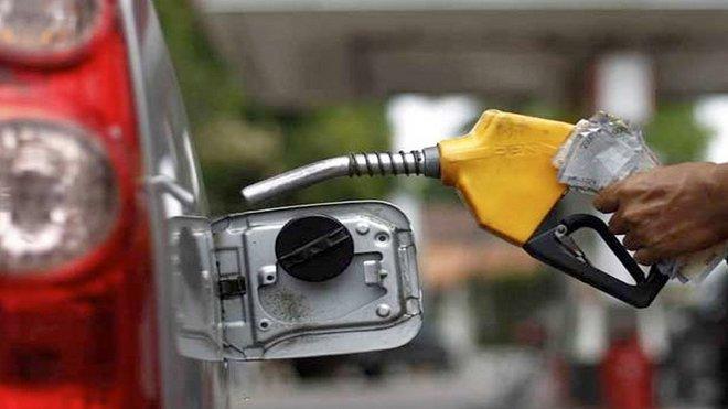 وزارة الطاقة الروسية تقترح حظر تصدير بعض أنواع البنزين