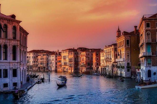فينيسيا تفرض رسوم دخول على السائحين من صيف 2022