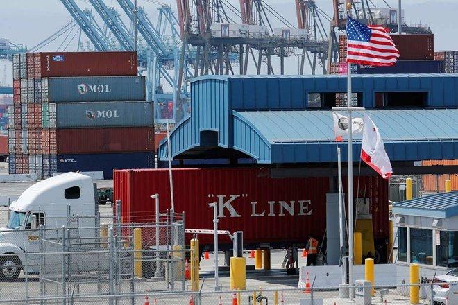 العجز التجاري الأمريكي يرتفع إلى مستوى قياسي .. 75.7 مليار دولار في يونيو