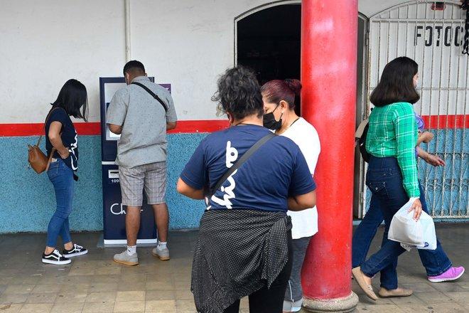"""بعد أن أصبحت أول بلد يعتمدها .. السلفادور تطرح محفظة الكترونية لاستخدام """"البيتكوين"""""""