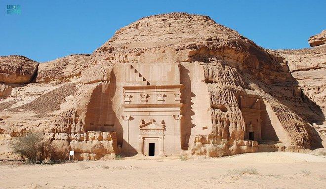 """""""العلا"""" أعجوبة الحجر وكنوز التاريخ القديم"""