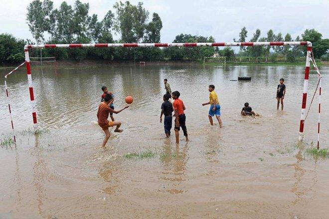 مباراة وسط المياه