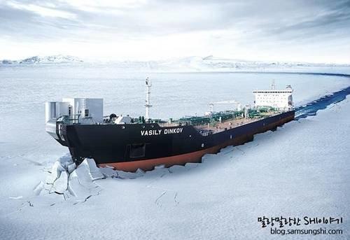 محادثات لبناء ناقلات غاز طبيعي مسال كاسحة للجليد في روسيا