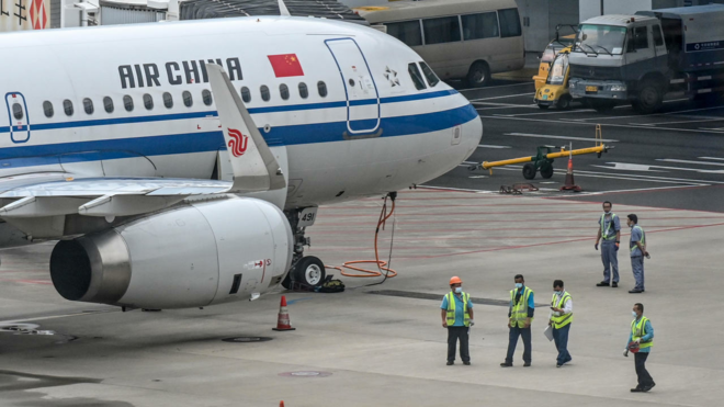 تراجع حاد في عدد الرحلات الجوية بالصين في أغسطس من جراء عودة كورونا