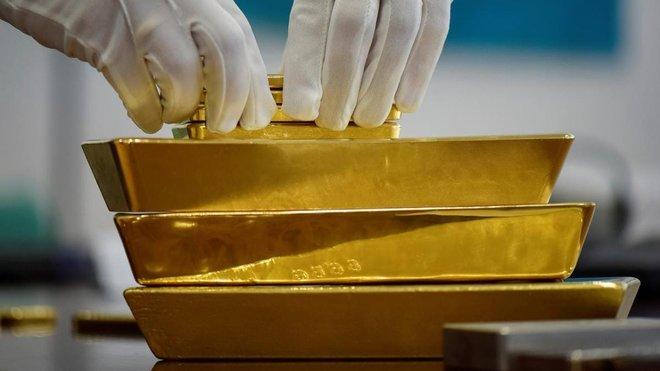 وسط ضبابية التحفيز .. الذهب يتماسك قرب 1800 دولار