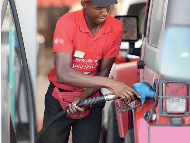 كينيا ترفع أسعار البنزين إلى أعلى مستوى خلال 10 أعوام