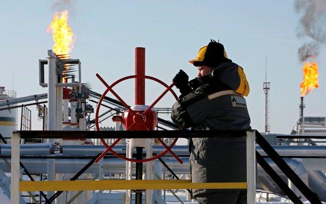 """النفط الروسي يتراجع.. يجري تداوله بسعر أقل من """"برنت"""""""
