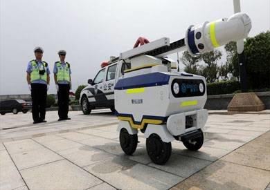 روبوتات في شوارع سنغافورة ترصد السلوكيات السلبية