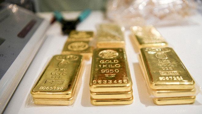 الذهب يتراجع إلى 1785 دولار .. والمستثمرون يترقبون تحركات المركزي الأمريكي