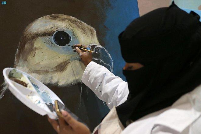الصيد بالصقور.. إرث وتقليد تاريخي يحتفي به معرض الصقور والصيد السعودي الدولي
