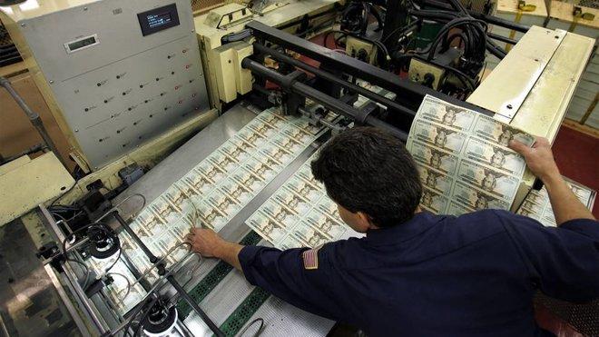 حذر من البنوك المركزية تجاه تدابير كورونا .. لامفر من رفع الدعم