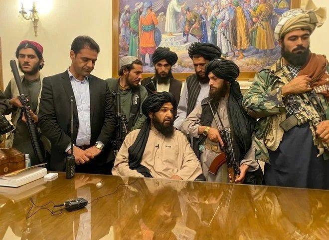 طالبان : نمتلك الأموال لدفع رواتب الموظفين لكن نحتاج إلى الوقت