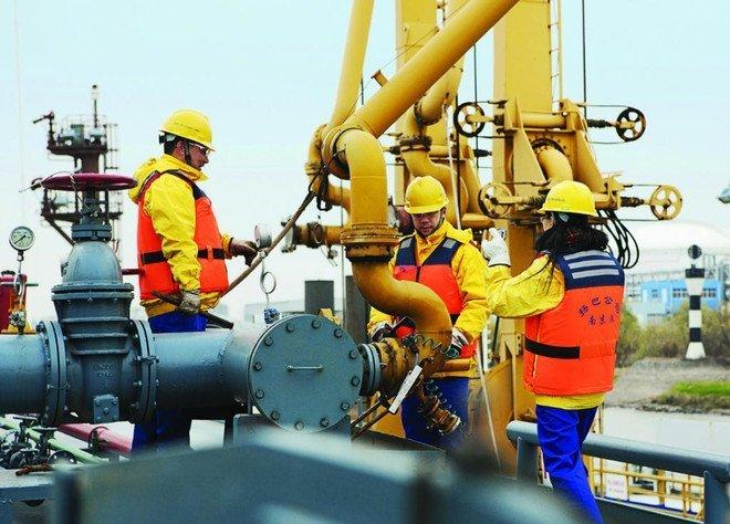 وزير الطاقة القطري : ارتفاع أسعار الغاز ليس أزمة ويعكس نقصا في الاستثمار