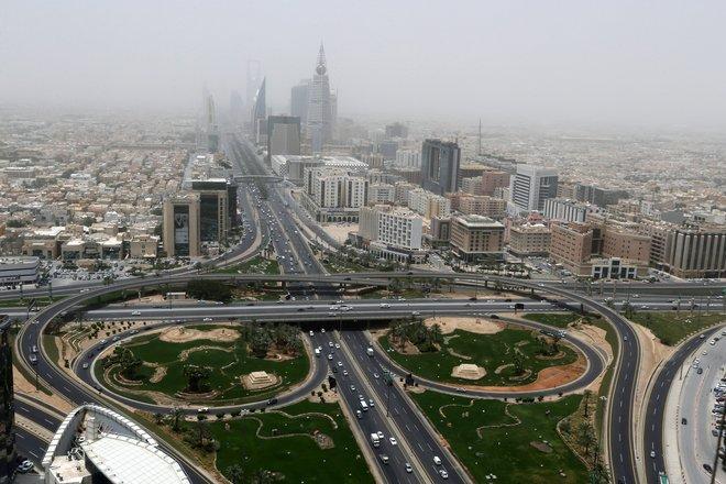 """""""صندوق النقد"""" يرفع توقعاته لنمو الاقتصاد السعودي إلى 2.8% في 2021"""