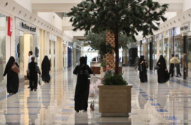 9.16 مليار ريال إنفاق المستهلكين عبر نقاط البيع في السعودية خلال أسبوع