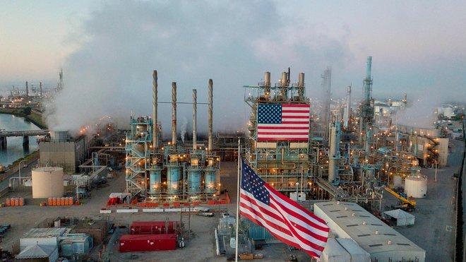 إنتاج النفط الأمريكي في 2021 سيهبط بأكثر من المتوقع