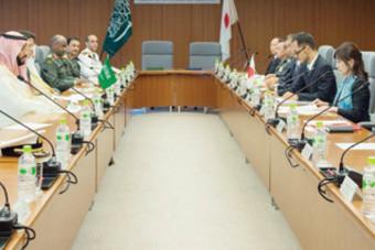 ولي ولي العهد يستعرض فرص تعزيز التعاون العسكري مع وزيرة الدفاع اليابانية