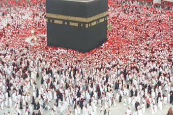 كثافة حشود الحجاج في «الحد الآمن» .. 4 أشخاص في المتر الواحد