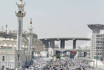 «شتات السوريين».. فرقتهم طائرات النظام وجمعتهم «منى»