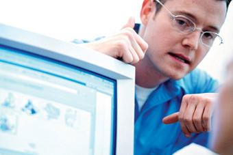 اليمن في المرتبة الثامنة عالمياً في  معدل قرصنة البرامج الإلكترونية بنسبة 89%