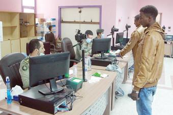 مخالفون إثيوبيون يحطمون أجهزة الحاسب الآلي في إيواء جامعة نورة