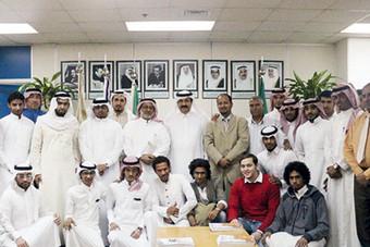 طلاب جامعة أم القرى يزورون «الخطوط السعودية»