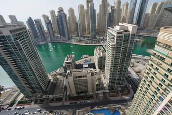 33% من الوسطاء العقاريين في دبي نساء
