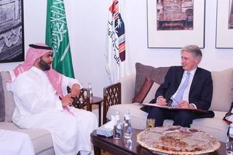 وزير الثقافة يبحث مع وزير الخزانة البريطاني خطط تطوير القطاع الثقافي السعودي